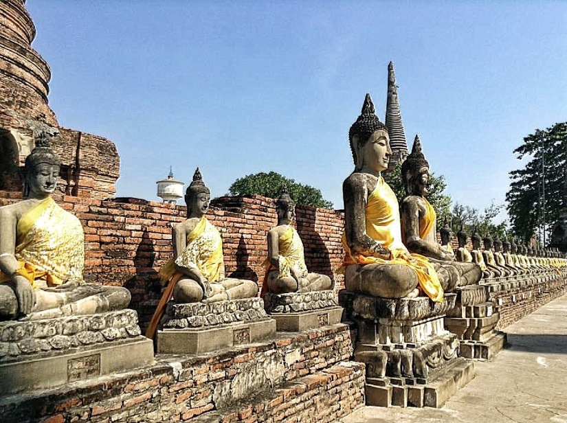 EXPLORING ANCIENT RUINS OF AYUTTHAYA, THAILAND
