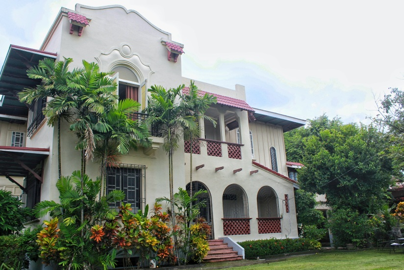 GERMAN UNSON HERITAGE HOUSE – QUAINT AND CHARMING BED –  AND – BREAKFAST IN SILAY CITY