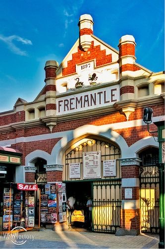 FREMANTLE -A RAFFISH HARBOUR CITY IN WESTERN AUSTRALIA
